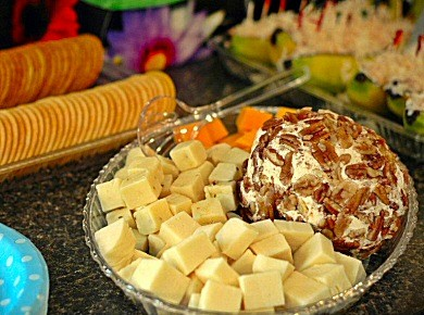 Assorted Cheese TrayLet us cater your next event serving up an appetizer tray of assorted cheeses and crackers.